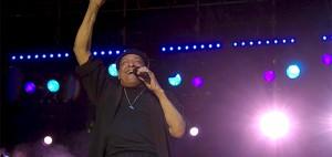 Al Jarreau reaches out (photo Lisa J. Love)